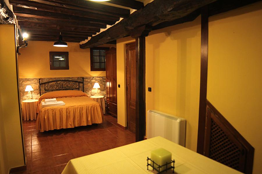 Casa rural la econ mica en candelario salamanca dormir en candelario turismo rural en - Candelario casa rural ...